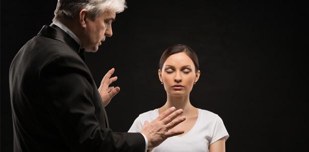 Einfache Hypnosetechniken helfen Angstpatienten