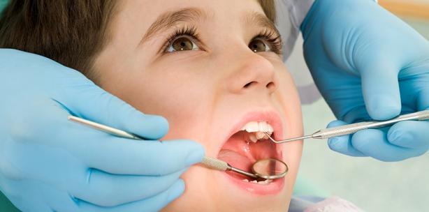Zahnreport: Kleine Kinder sind zu selten beim Zahnarzt