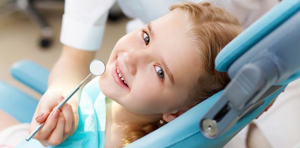Kinder und die Angst im Zahnarztstuhl