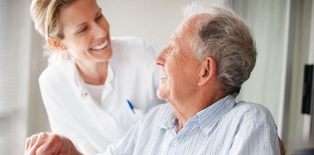 Parodontale Therapie beim älteren Patienten – notwendig vs. machbar