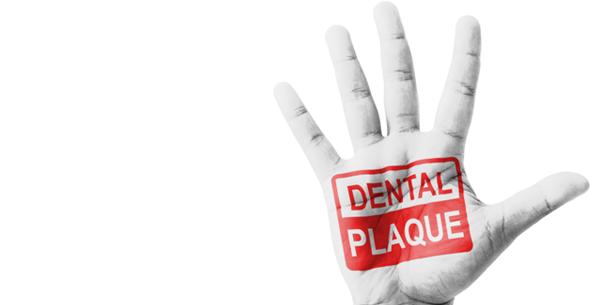 Für sichere Zahnimplantate: Mit dem Plasma-Jet gegen den Biofilm