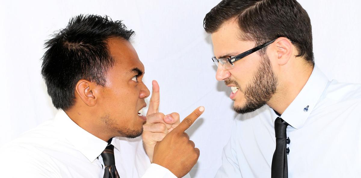 Rassistische Äußerungen im Betrieb führen zu fristloser Kündigung