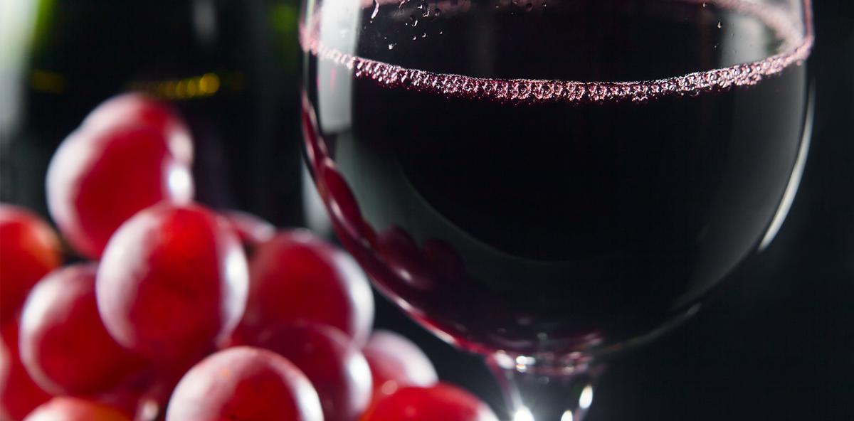 Rotwein als effektive Waffe im Kampf gegen Karies
