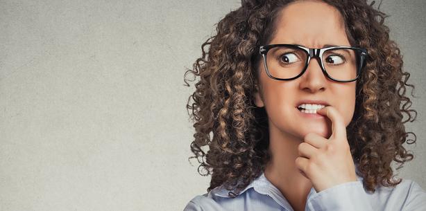 Sozialphobie birgt hohes Risiko für Zähneknirscher