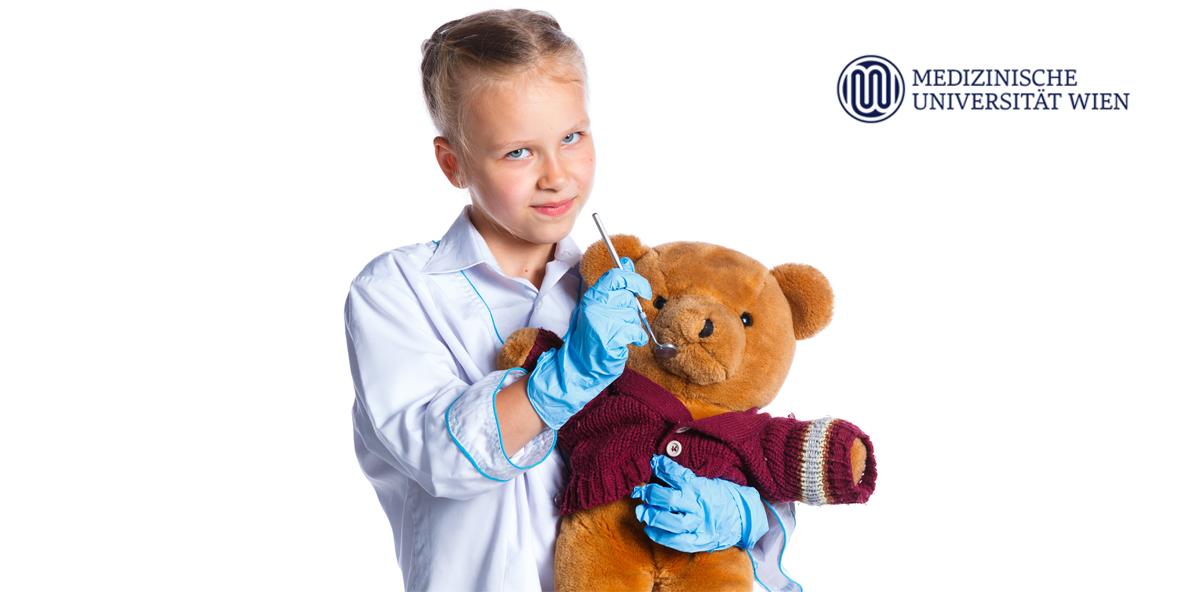 MedUni Wien: Zahnbehandlung üben am Teddybär