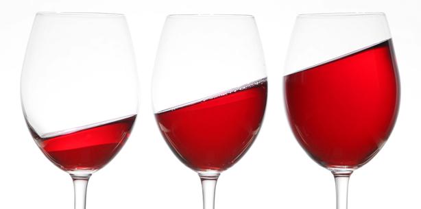 Achtung, Schmelzfresser! Weinkonsum schädigt Zähne