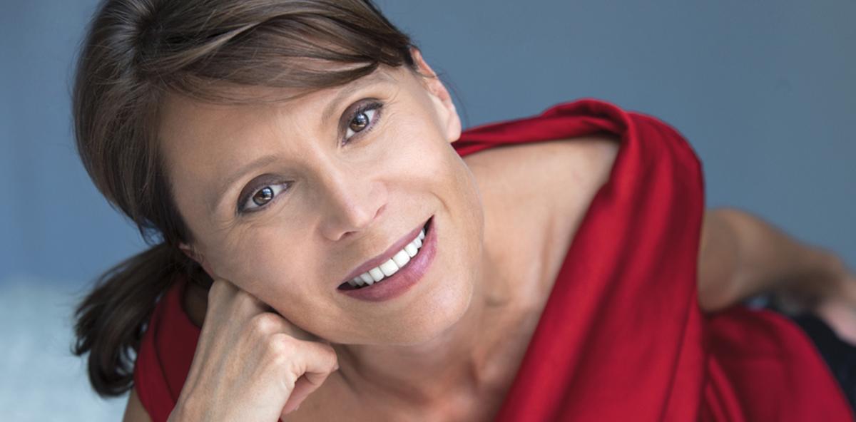 Wechseljahre der Frau: Zähne und Mund im hormonellen Stress