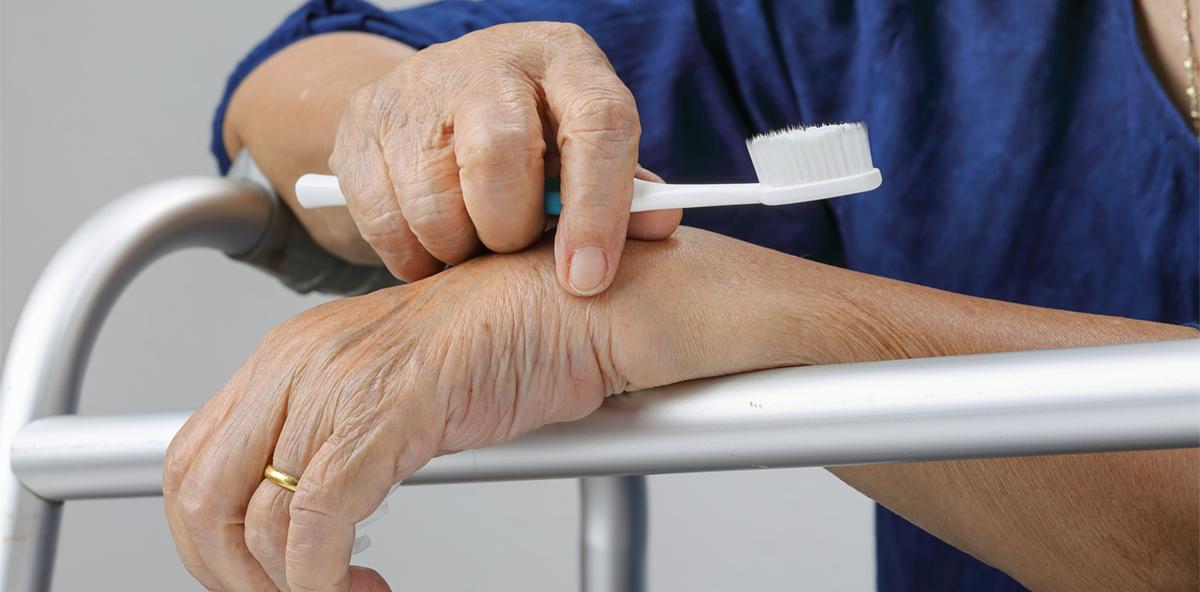 Immer mehr sächsische Zahnärzte besuchen Pflegeheime