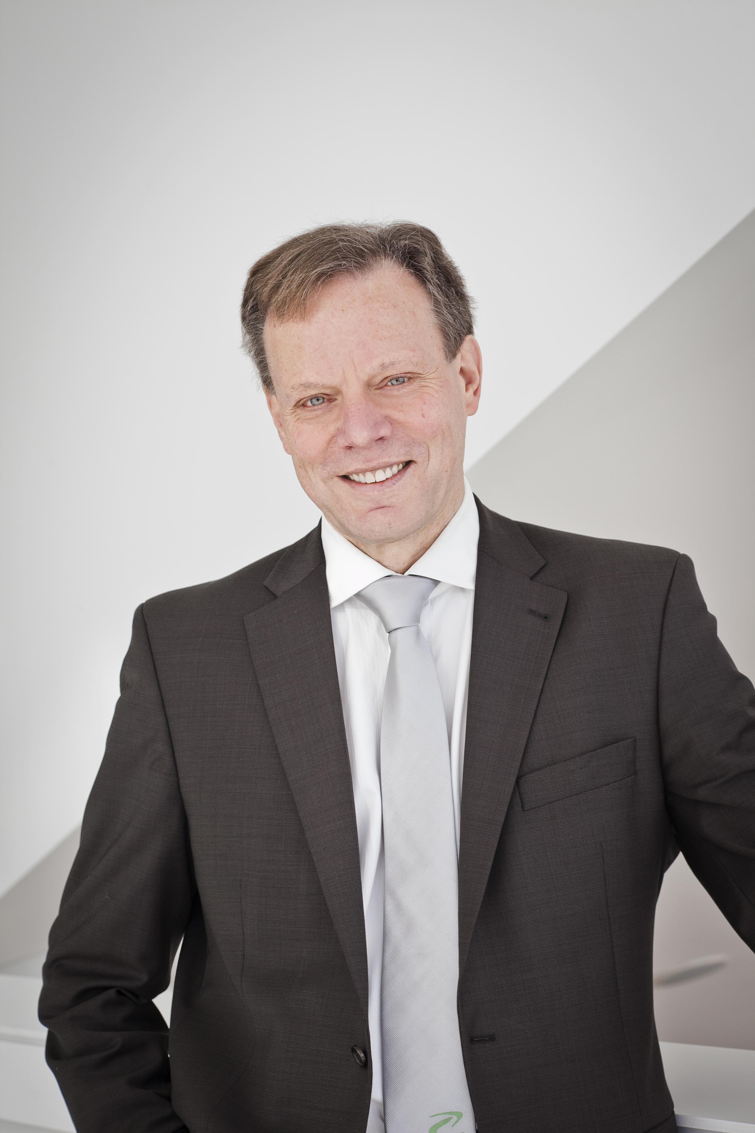 Dr. Hendrik Schlegel