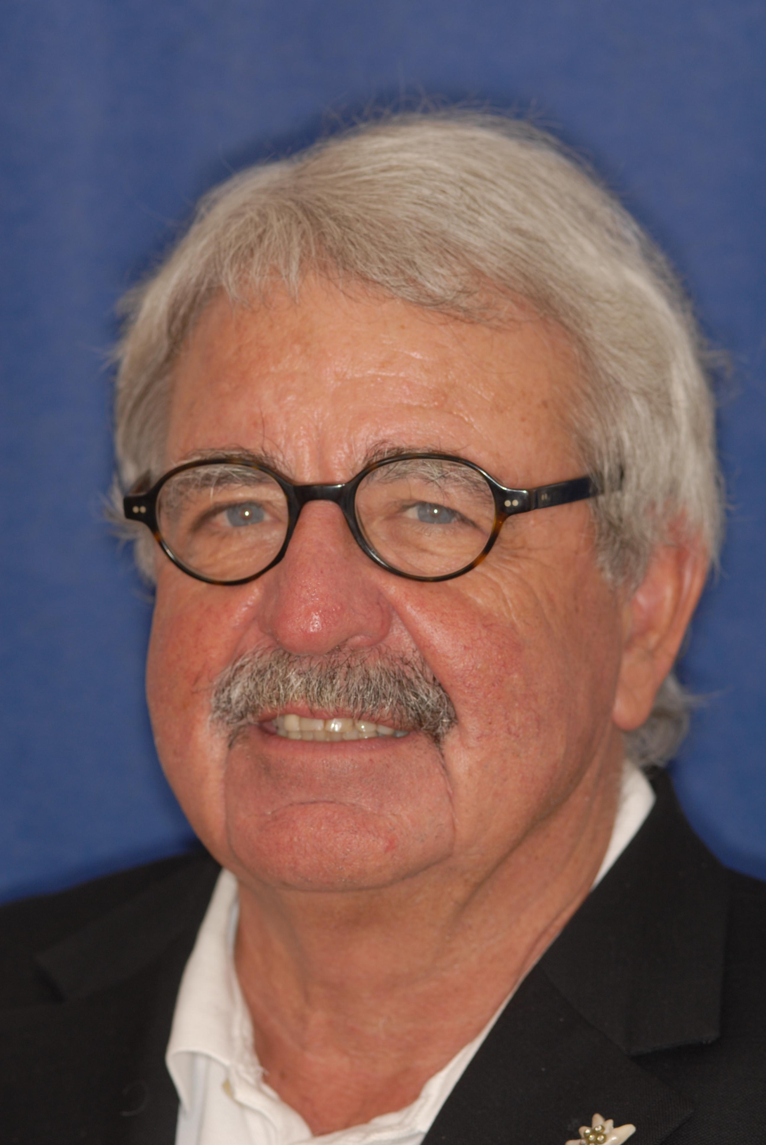 Dr. Rudolf Meyer
