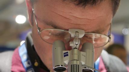Lupenbrillen- und Lichtsysteme von Bajohr OPTECmed