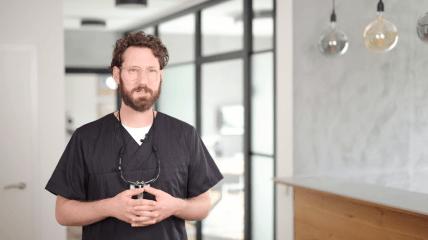 Jonas Barth über die Behandlungseinheit Signo T500